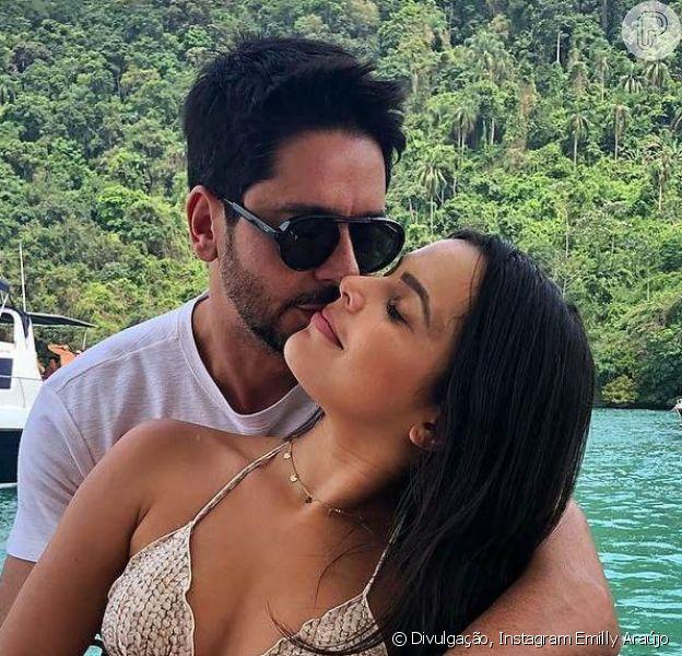 Emilly Araújo se declarou ao namorado, Paulo Simões, durante passeio pelo Ceará, nesta terça-feira, 20 de novembro de 2018: 'Enche meu coração de amor'
