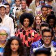 A Dolce & Gabbana, que desfilaria em Xingai nesta quarta-feira (21), teve seu desfile cancelado por causa de campanha que internautas consideraram racista