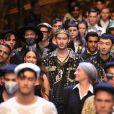 Após toda a polêmica, a Dolce & Gabbana, que desfilou pela última vez em Milão, publicou um comunicado no Instagram dizendo que o cancelamento do show em Xangai foi um dia triste para a grife