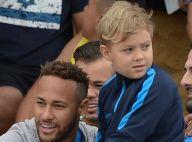Tal pai, tal filho! Neymar e Davi Lucca usam looks idênticos: 'De rolê'. Foto!