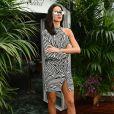 Vestido grifado foi usado por Bruna Marquezine para prestigiar um almoço da marca de joias de luxo Chopard, em maio de 2018