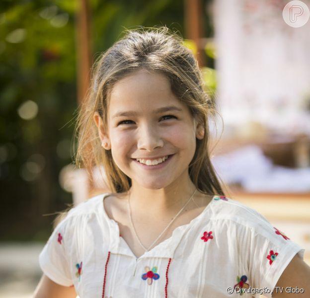 Priscila (Clara Galinari), filha de Alain (João Vicente de Castro) e Isabel (Alinne Moraes), vai rejeitar o pai após ser salva pelo cineasta nos próximos capítulos da novela 'Espelho da Vida': 'Meu pai é o Felipe (Patrick Sampaio)'