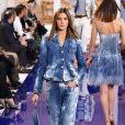 Jeans manchado e outros estilos que vão estar na moda na próxima temporada. Manchadinho na passarela da Ralph Lauren