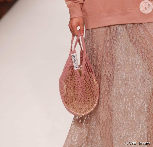 Bolsas com pegada artesanal estão em alta neste verão