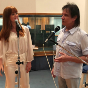 Marina Ruy Barbosa ensaia com Roberto Carlos em estúdio: 'Momento especial'