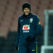 Neymar explica constantes mudanças de visual: 'Gosto das palhaçadas'