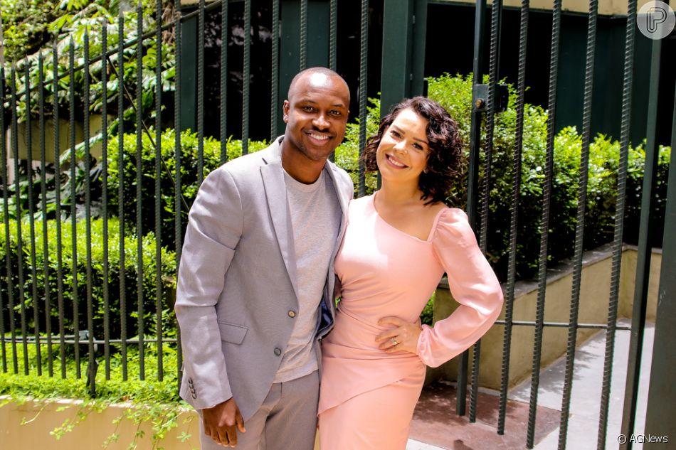 77a9a1d19 Fernanda Souza foi ao casamento acompanhada pelo marido, Thiaguinho ...