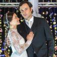 Na novela, os personagens de Sergio Guizé e Bianca Bin se casaram