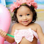 Diversão na água! Filha de Juliana Alves toma banho de mangueira: 'Refrescando'