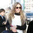 Olivia Palermo, socialite americana conhecida por fazer parte do reality show 'The City', marca presença na Nova York Fashion Week 2013
