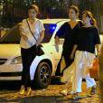 Renata Vasconcellos é fotografada na companhia da irmã gêmea, Lanza Mazza, ao deixar o restaurante Zuka, no Leblon, zona sul do Rio de Janeiro, nesta segunda-feira, 17 de dezembro de 2018