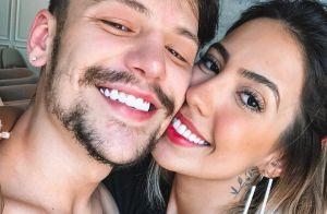 Grávida, Gabi Brandt vai ao show do noivo e curte com Maisa Silva. Vídeo!