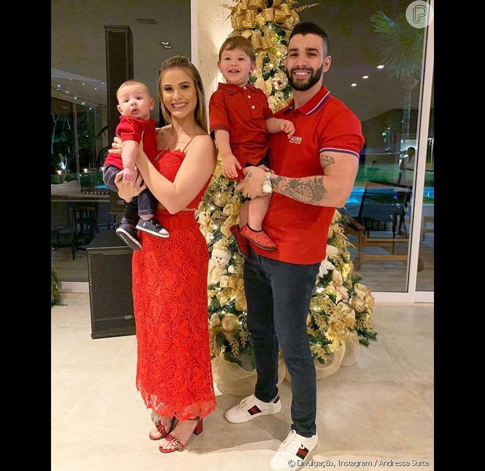 85cc0944024 Andressa Suita e Gusttavo Lima combinam filhos com roupa vermelha   Feliz  Natal