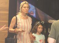 Leticia Spiller curte folga no cinema com a filha, Stella, de 7 anos. Fotos!