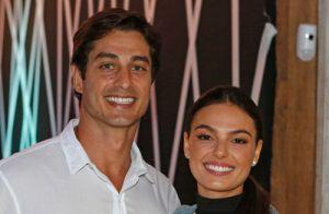 Isis Valverde exalta parceria com o marido: 'Atravesso o oceano com você'