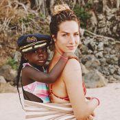 Bruna Marquezine se derrete em foto de Gio Ewbank e Títi: 'Puro amor'