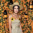 Camila Coelho: bege + flores