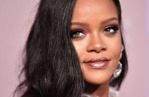 Rihanna processa o pai e o acusa de lucrar com uso de sua marca sem autorização