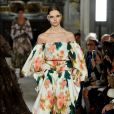 Desfile Valentino na Primavera / Verão da Semana de Moda de Paris: floral da caebça aos pés