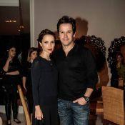 Murilo Benício e Débora Falabella vão elegantes a coquetel em São Paulo