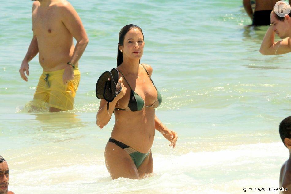 Ticiane Pinheiro curtiu a praia de Ipanema neste sábado, 26 de janeiro de 2019