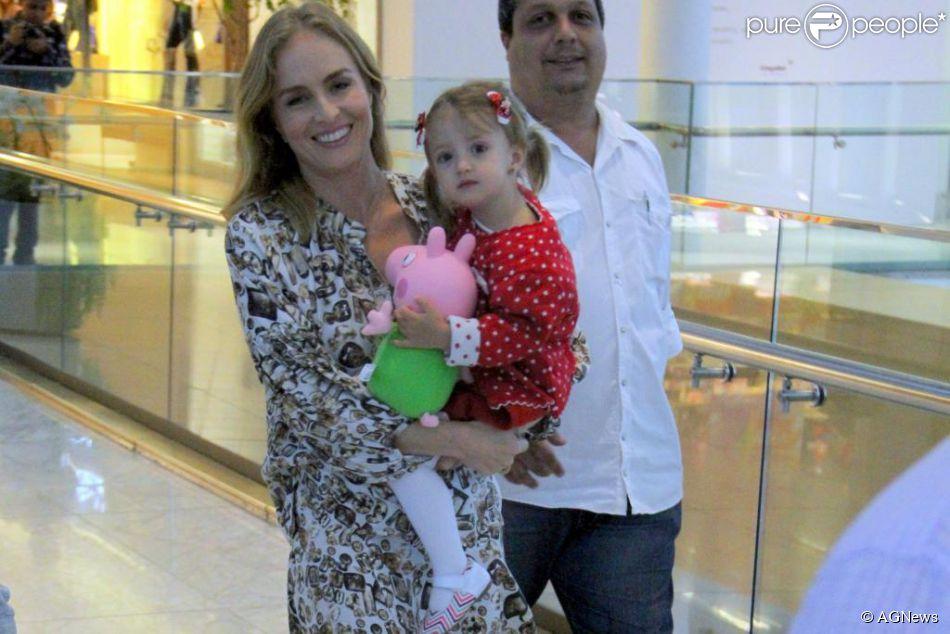 Hoje é dia de festa! Eva, filha de Angélica e Luciano Huck, completa 2 anos nesta quinta-feira, 27 de setembro de 2014