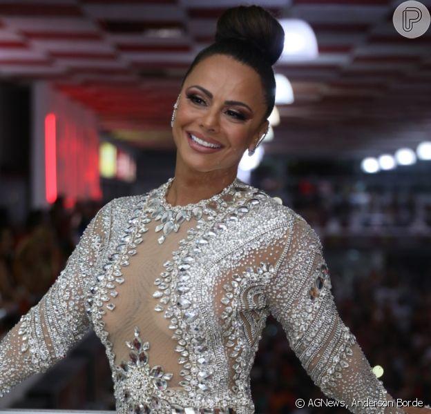 Viviane Araujo posa com vestido luxuoso em ensaio de Carnaval no sábado, 02 de fevereiro de 2019