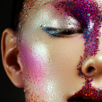 Glitter na make de carnaval: aprenda a brilhar na folia