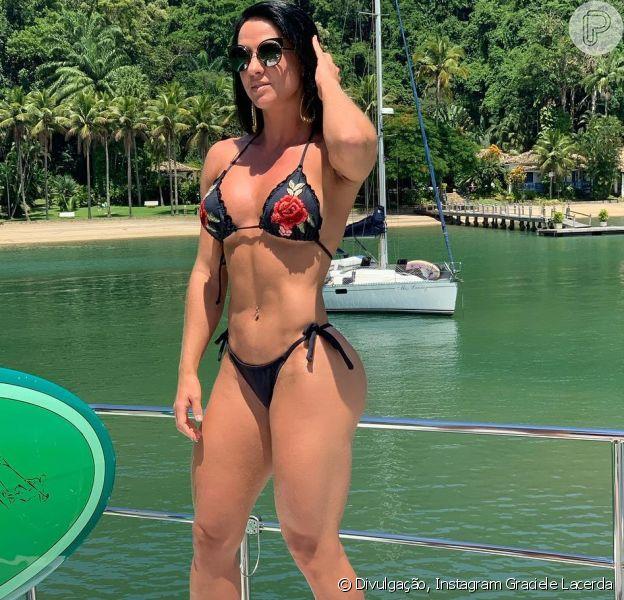 Graciele Lacerda está curtindo o fim de semana em Paraty com o marido, Zezé Di Camargo