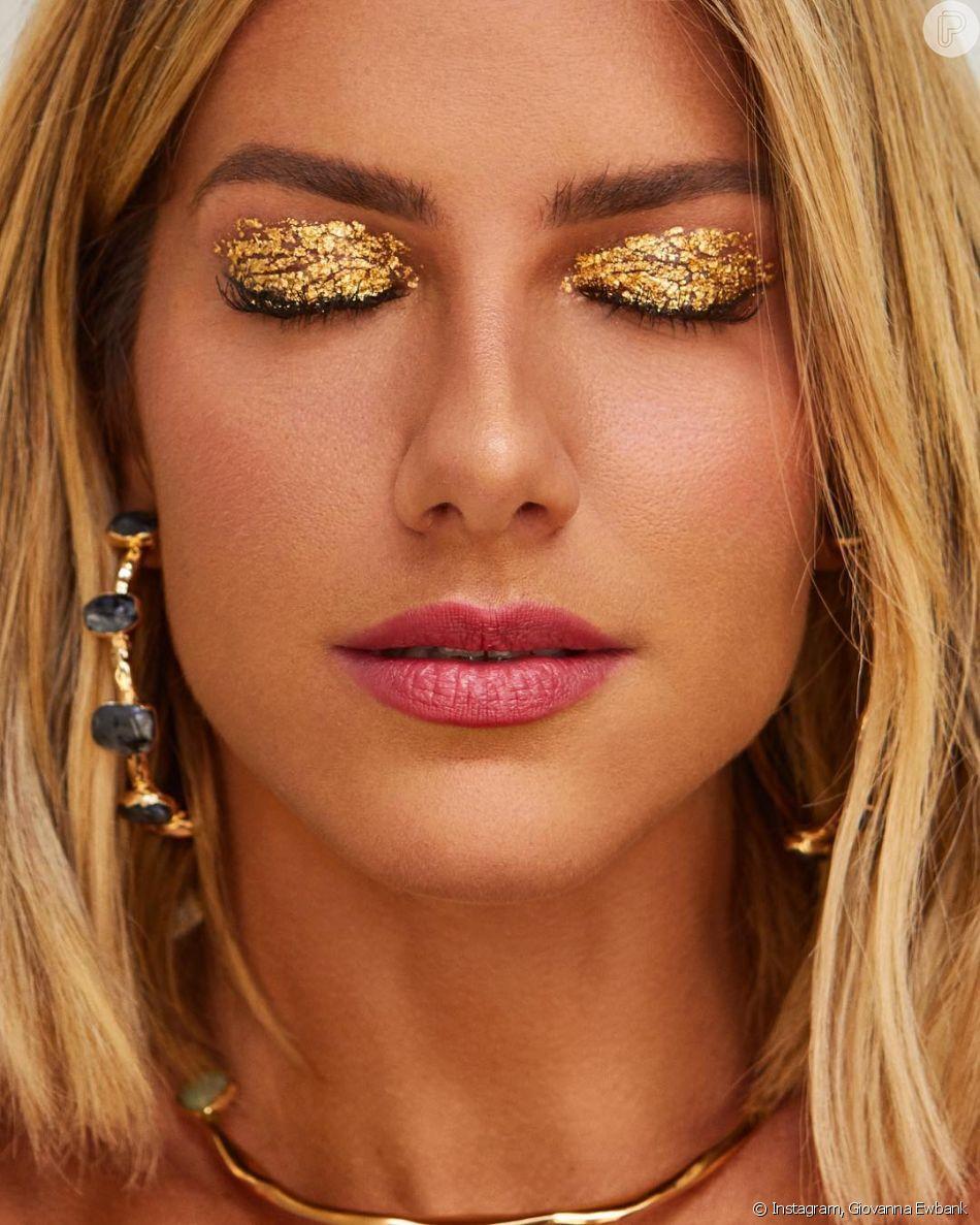 Inspiração para o Carnaval: Giovanna Ewbank aposta no glitter dourado em toda a pálpebra