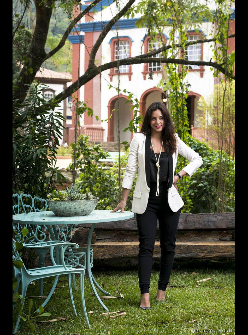 Laura (Yanna Lavigne) sofre um acidente ao discutir com Valentina (Lilia  Cabral) 1d0f7279de973
