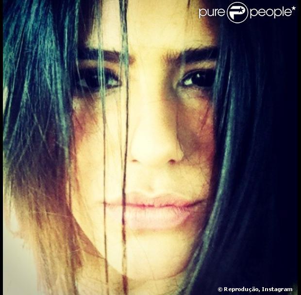 Antonia Morais publica foto com cara sexy em seu Instagram, em 15 de fevereiro de 2013
