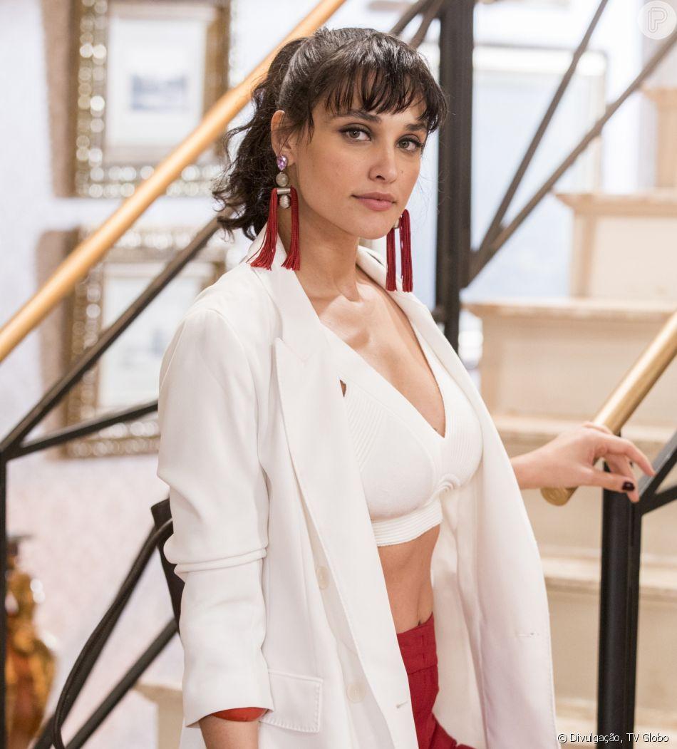 Fã cita traição de Loreto e apoio de famosas à Débora Nascimento em post e atriz curte comentário