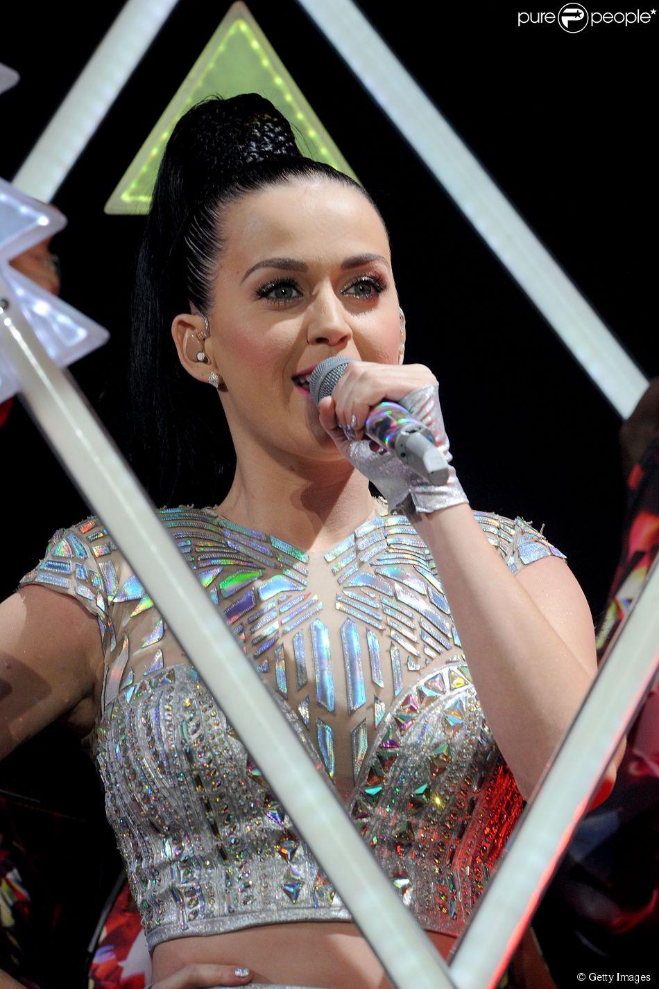 Katy Perry é o primeiro nome confirmado para se apresentar no Rock in Rio 2015 no Brasil. A confirmação aconteceu em Nova York, nesta sexta-feira, 26 de setembro de 2014
