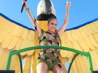 Cobra cravejada de cristais é destaque no look de Claudia Leitte em Salvador
