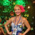 Saia azul é eleita por Josie Pessoa para curtir mais um dia de Carnaval