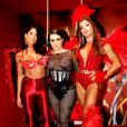 Cleo, embaixadora do Camarote Itaipava, posa ao lado de Aline Riscado e da atriz Maria Joana