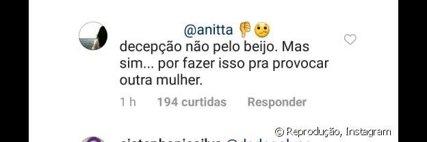 Anitta recebe crítica de fã por beijo em Neymar