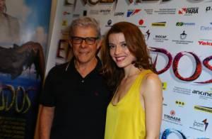 José Mayer leva a filha, Julia Fajardo, à pré-estreia do filme 'Encantados'