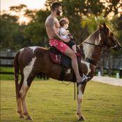 Andressa Suita se derrete por foto de Gusttavo Lima e filho no cavalo: 'Vidas'