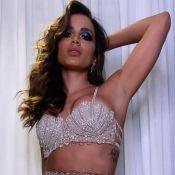 Anitta exibe look com cristais e saia de sex shop em festa de 26 anos. Detalhes!