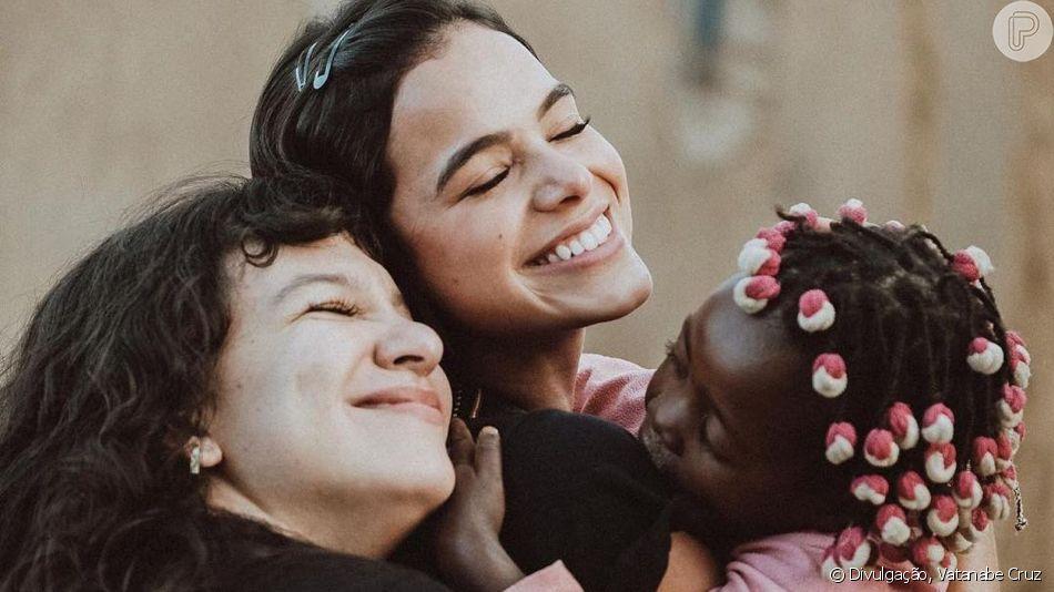Bruna Marquezine exalta viagem missionária após 9 dias na Angola ao voltar ao Brasil nesta segunda-feira, dia 01 de abril de 2019