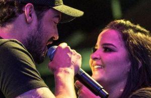 Fernando Zor mostra fotos com Maiara em telão em show: 'Produção quer me casar'