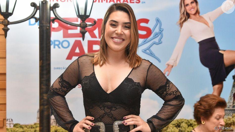 Naiara Azevedo apostou em look all black para prestigiar  pré-estreia do filme 'De Pernas pro Ar 3' nesta segunda-feira, 1 de abril de 2019