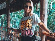 Amamos logomania! Andressa Suita combina trends em aerolook de R$ 23,4 mil