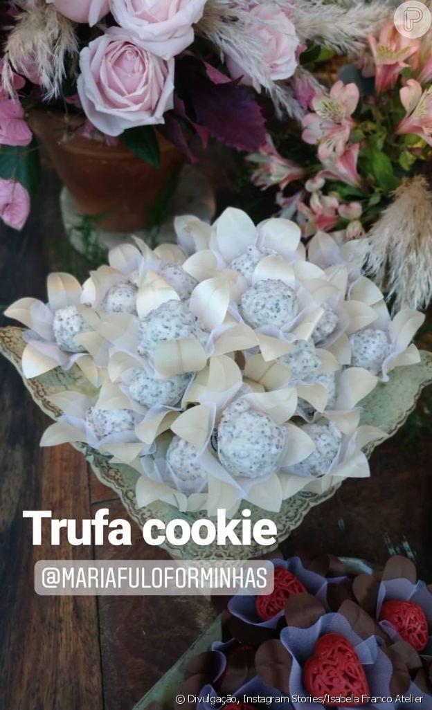 Cauã Reymond e Mariana Goldfarb fizeram os doces com uma confeiteira local