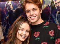 Larissa Manoela e João Guilherme Ávila levam pares à pré-estreia de filme. Fotos