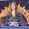 Rebeca Abravanel apareceu usando um anel avaliado em R$ 256 mil e levantou rumores de casamento