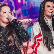 Match fashion! Maiara e Maraisa combinam blazer de alfaiataria em look de show