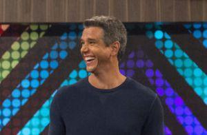 Marcio Garcia defende beijo de Luis Lobianco e marido na TV após crítica